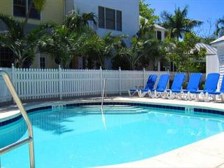 ~ FAIRWINDS * THE FOUNDRY ~ Exclusive Condo In Superb Location w/ Pool Access