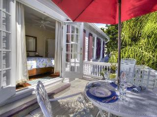 The Treetop Apartment at the Sailmaker`s House Sleeps 2 Historic Old Town, Key West