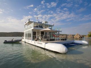 Luxury 3 Bedroom Boat Off the Coast of Cartagena