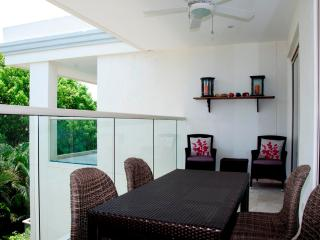 Tasteful 3 Bedroom Apartment in Old Town, Cartagena
