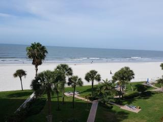 Redington Towers 1 Beachfront 2 Bedroom Condo, Redington Shores