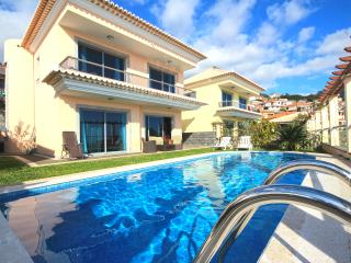 Villa Livramento with privated heated pool, Funchal