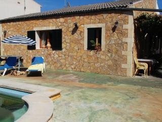 Casa con piscina a 300 metros de la playa, Sa Coma