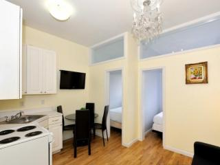 CHARMING 3 BEDROOM APARTMENT, Long Island City