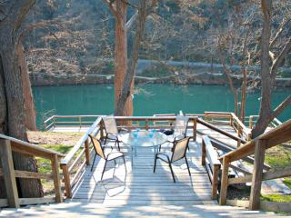 RIO VISTA ON THE GUADALUPE - New Braunfels