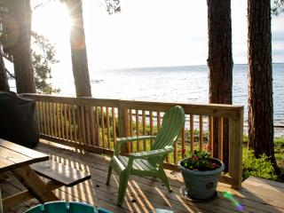 Private vacation home with gorgeous beach views!, Carrabelle
