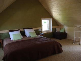 Chambres d'hôtes Jardin Solstice à Vaupillon, La Loupe