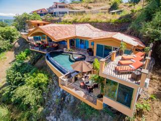 Casa Dare to Dream Luxury Villa, Playa Hermosa