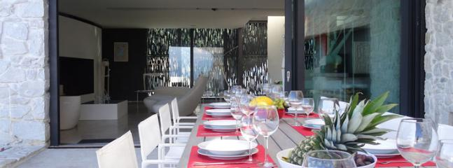 dining outdoor