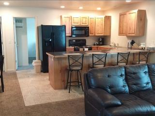Cedar Canyon condo's, Garden City