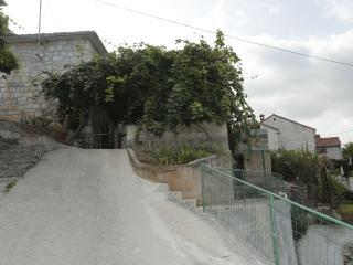 Apartman Šantic, Postira