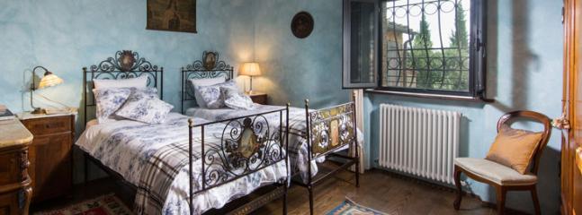 lower ground floor twin bedroom