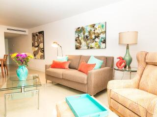 Gorgeous, Fully Upgraded, Recently Renovated Condo, Miami