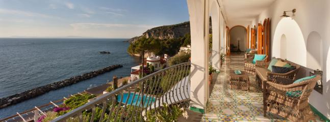 bedrooms floor, terrace