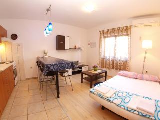 Apartment 1062