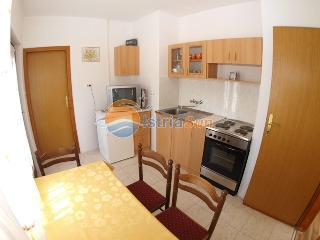 Apartment 833, Porec