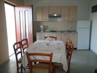 Apartment 652, Labin