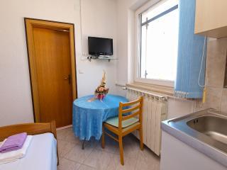 Apartment 896