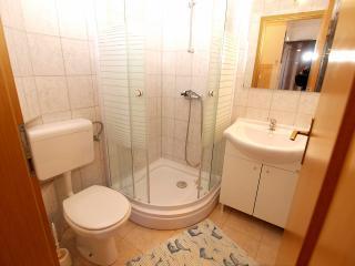 Apartment 898