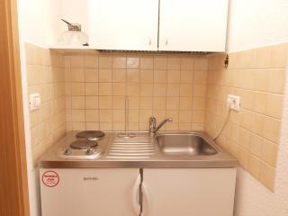 Apartment 899