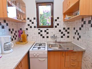 Apartment 998