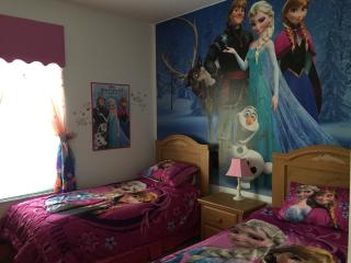 Mickeys Clubhouse Windsor Palm Frozen & New Minion themed rooms