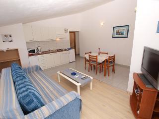 Apartment 1675, Stinjan