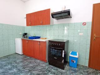 Apartment 1928