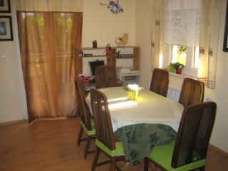 Apartment 2065, Liznjan