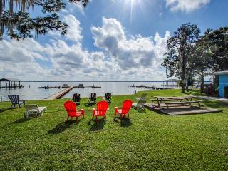 Lakefront condo - swim, water ski & more on Lake June - snowbirds welcome!