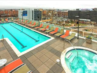 Stay Alfred City Living with a Rooftop Pool MC2, Washington DC