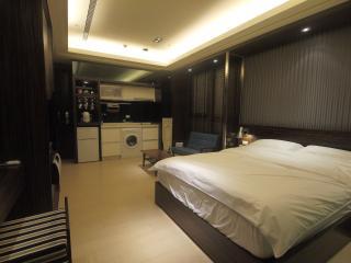 near taipei 101 style apartment, Taipei