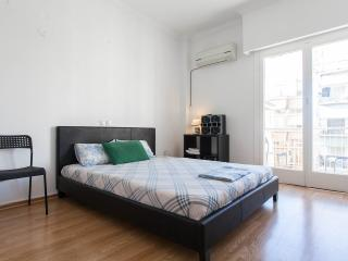 Athens Center Apartment 1 min from Metro Station, Monastiraki