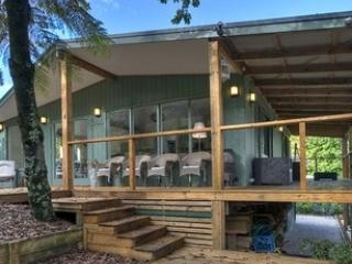 Ribbon Gum Lodge