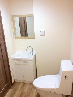 A Bathroom on each floor !