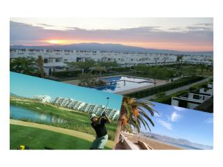 Holiday Apartment with Signature Golf Jardines, Alhama de Murcia