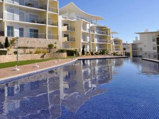 Encosta da Orada T1 GA apartamento com piscinas de agua salgada