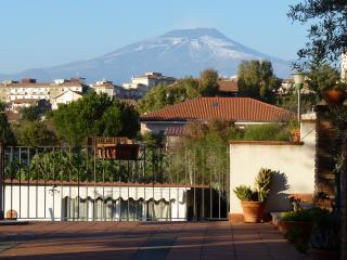 L'albero nella roccia - Casa vacanze tra Etna e mare