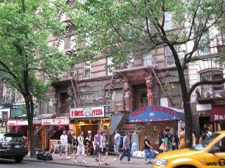 Gorgeous 2 bedroom located on East Village, Nova York