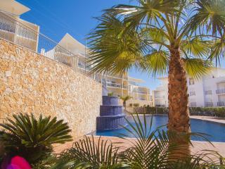 Luxury apartment ocean view near beach and center