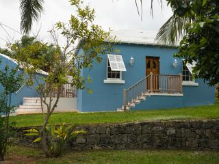 Captain's Cottage - St-George Town, Saint-George
