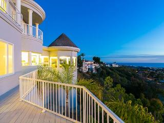 25% OFF DEC - Beautiful Spacious Estate w/ Stunning Ocean Views and Sunsets