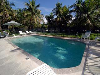 Charming two bedroom cottage in the heart of Sanibel, Isla de Sanibel