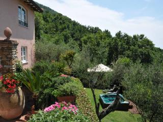 Villetta Gardenia- at few mins beaches & 5 Terre, Ortonovo