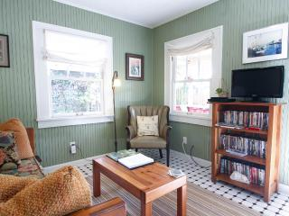 The cottage offers cable TV and over 75 DVD films.