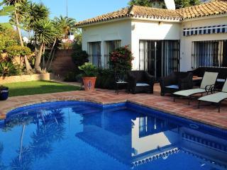 luxury 4 bedroom holiday villa with private pool, San Pedro de Alcantara