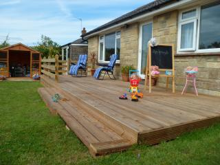 Quality by Appley beach,Toy filled playden, Free wifi, parking, Modern detached