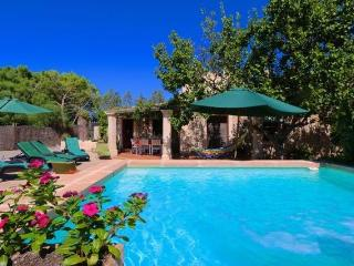 NA CARONA, finca with pool, WIFI and garden., Manacor