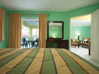 Comfort apartments at the ridge, Ocho Rios