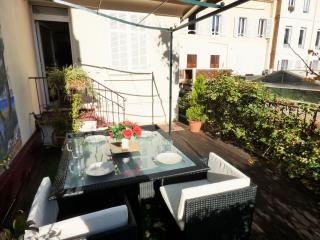 Cute 1 bedroom Center, terrace, very charming A523